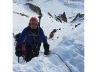 Tırmanış esnasında sakatlanan dağcı helikopterle kurtarıldı