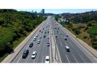 Fatih Sultan Mehmet Köprüsü'ndeki trafik yoğunluğu havadan görüntülendi
