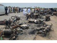 Pakistan'da tanker patladı: 140 ölü