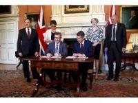 İngiltere'de azınlık hükümeti için anlaşmaya varıldı
