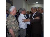 Vali Çınar'dan veda ve bayramlaşma töreni