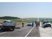 Tıra çarpan kamyonet hurdaya döndü: 1 ölü, 1 yaralı