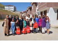 Gönül elçileri, sevgi evlerindeki çocukları ziyaret etti