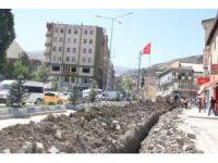 Tozlu, çukurlu bir şehir yeniden ihya ediliyor