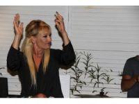Ünlü sanatçı Zeynep her şeyi geride bırakıp köye yerleşti