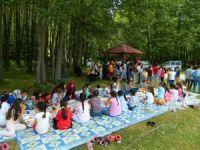 Kuran kursu öğrencileri piknikte neşeli saatler geçirdi