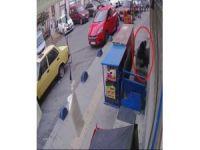 Şişli'de 15 dakikada 2 evi soyan hırsızlar kamerada