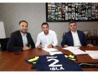 Fenerbahçe Mauricio Isla'ya imza attırdı
