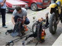 Çim motoru tamircileri yoğun mesaide