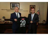 Başkan Zolan'a Denizlispor forması