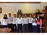 Şampiyon Kıckboksçular Kaymakam Yüksel ve Başkan Arslan'ı ziyaret etti