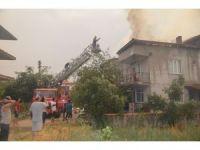Selendi'de ev yangını korkuttu