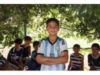 Hayallerine kavuşmak için Türkiye'de kalmak istiyor