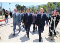Başbakan Yardımcısı Çavuşoğlu'dan Büyükşehir'e ziyaret