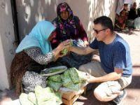 Sokakta bamya satışları başladı
