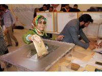 AK Parti'de İstanbul genelinde delege seçimleri başladı