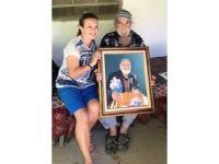 Pazarda görüp resmini yaptığı yaşlı adama tablosunu bir yıl sonra teslim etti