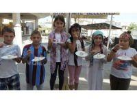 Burhaniyeli öğrenciler camide yaş günü kutladı