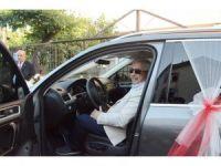Belediye başkanı şehit ailesine düğünde makam aracını tahsis edip, şoförlüğünü yaptı