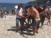 Ecel doktoru denizde yakaladı