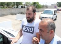 """""""Hero"""" yazılı tişörtle sınava girdi gözaltına alındı"""