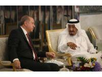 Cumhurbaşkanı Erdoğan, Suudi Arabistan Kralı Abdülaziz ile görüştü