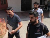 """Adana'da """"Hero"""" yazılı tişört giyen 3 kişi adliyeye sevk edildi"""