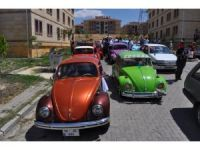 Vosvos arabalar ile düğün büyük ilgi gördü