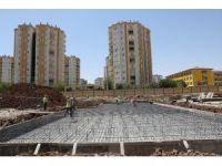 Büyükşehir Belediyesi kent meydanı inşa ediyor
