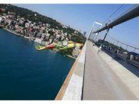 15 Temmuz Şehitler Köprüsü'ne dev Evkur Yeni Malatyaspor bayrağı