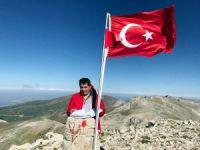 Bursa Valisi Küçük Uludağ'ın zirvesine imza attı