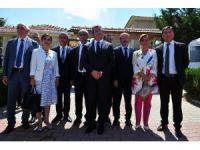 CHP'li Altay ve beraberindekiler Filistin Ankara Büyükelçisi Mustafa ile görüştü