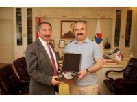 Giresun Üniversitesi Rektörü Coşkun'dan Rektör Karabulut'a ziyaret