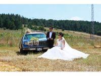Klasik otomobil evlenen genç çiftlerin yeni gözdesi