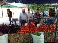 Vatandaşlar sebze fiyatlarından şikayetçi