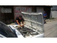 Otomobilin motoruna giren kedi, Karabük'ten Kastamonu'ya geldi