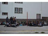 Tokat'ta 82 kaçak göçmen yakalandı