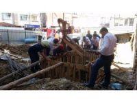 İstanbul'da temel kuyusunda can pazarı