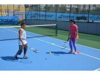 Çekmeköy Belediyesi'nin tenis kursuna yoğun ilgi