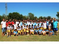 Yüreğir'de yaz futbol okulu