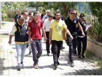 Alanya'da 1'i kadın 14 aranan şahıs yakalandı