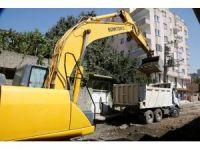 Cizre Belediyesi yol yapım çalışmalarını sürdürüyor