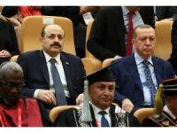 """""""İslam Ülkeleri Rektörleri Forumu"""" açılış oturumu"""
