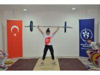Bilecikli Halterci Türkiye Olimpiyat Hazırlık Merkezine davet edildi