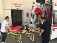 Devrilen iskele iki işçiyi hastanelik etti
