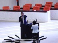 CHP milletvekillerinin Meclis'teki iç tüzük eylemi devam ediyor