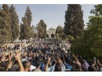İsrail polisi, Mescid-i Aksa'da Filistinlilere müdahale etti