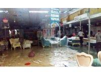 Bit pazarındaki beyaz eşyalar sular altında kaldı