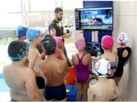 Beyaz Kule Okulları'nda yüzme dersleri kameralı eğitimle veriliyor