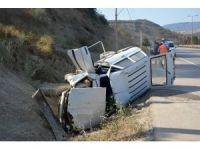 Hastane yolunda kaza yapan yaşlı çifti ölüm ayırdı